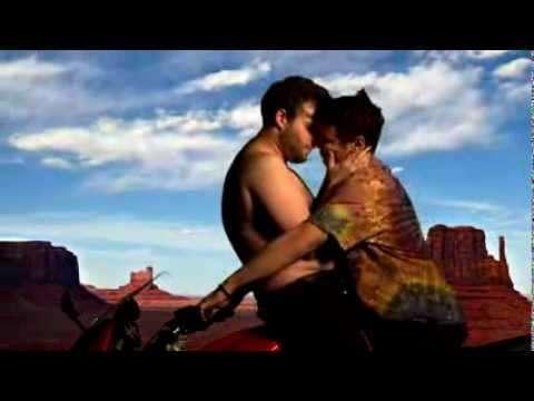 La parodia de James Franco y Seth Rogen del video de Kanye West y Kim Kardashian